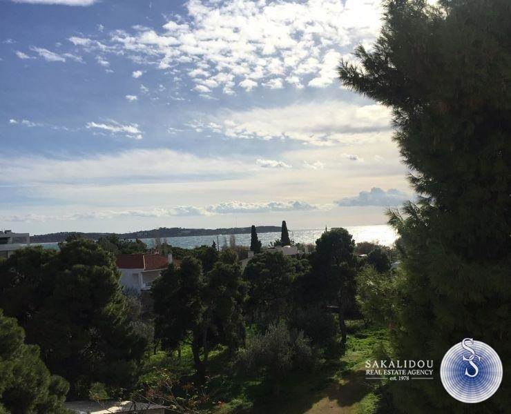 Voula Center, great 3rd floor apartment with veiw and horizon