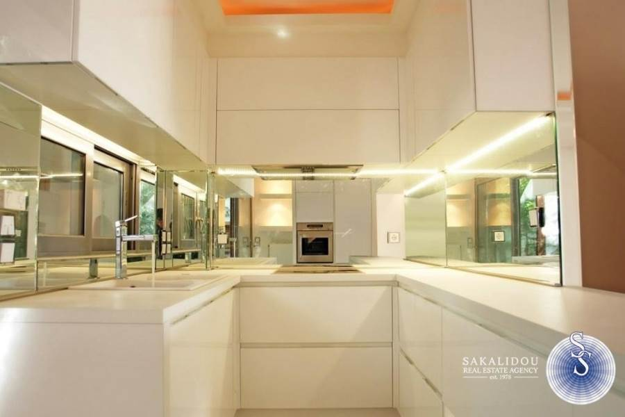 MODERN MAISONETTE WITH PRIVATE POOL IN VOULA DIKIGORIKA